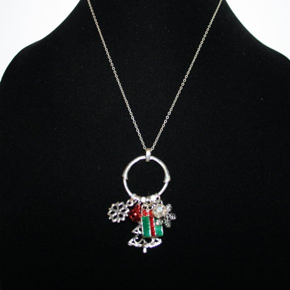 Vintagejelyfish Jewelry - Silver Christmas charm necklace